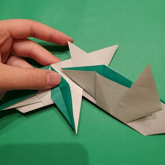 折り紙 笹の葉リースの作り方③組み合わせて完成(3)