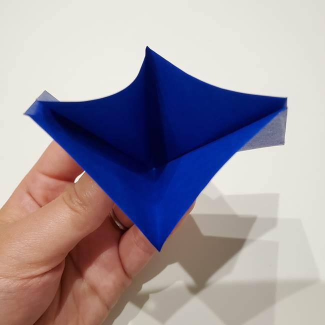 桔梗の花を折り紙一枚で立体的につくる折り方(14)