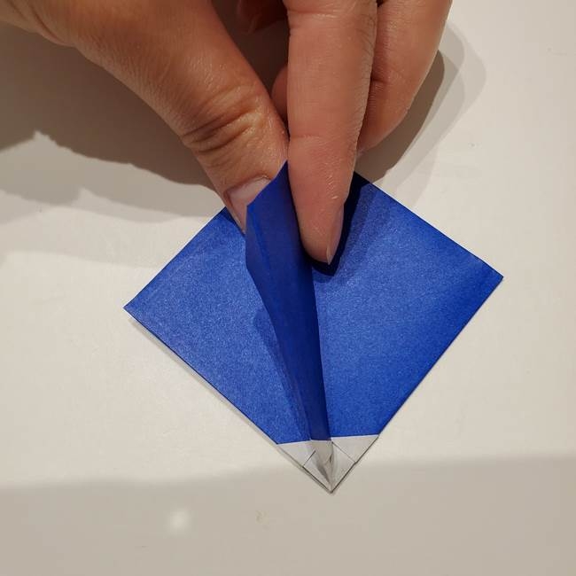 桔梗の花を折り紙一枚で立体的につくる折り方(23)