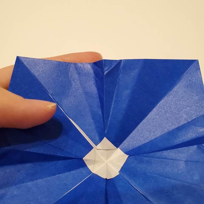 桔梗の花を折り紙一枚で立体的につくる折り方(30)