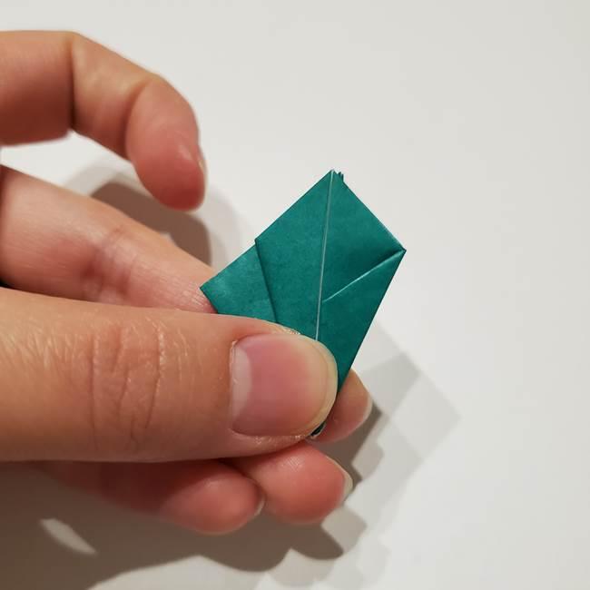 桔梗の葉っぱの折り紙 簡単な折り方作り方②ガク(20)