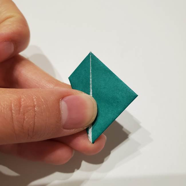 桔梗の葉っぱの折り紙 簡単な折り方作り方②ガク(21)