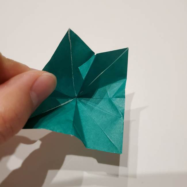 桔梗の葉っぱの折り紙 簡単な折り方作り方②ガク(26)