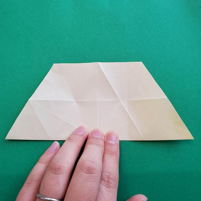 水仙の折り紙 平面の折り方作り方②花(11)