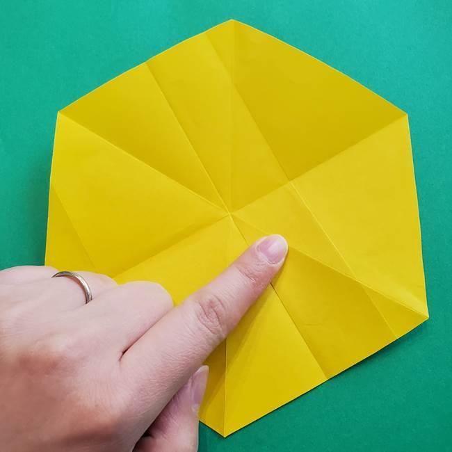 水仙の折り紙 平面の折り方作り方②花(3)