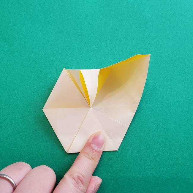 水仙の折り紙 平面の折り方作り方②花(30)