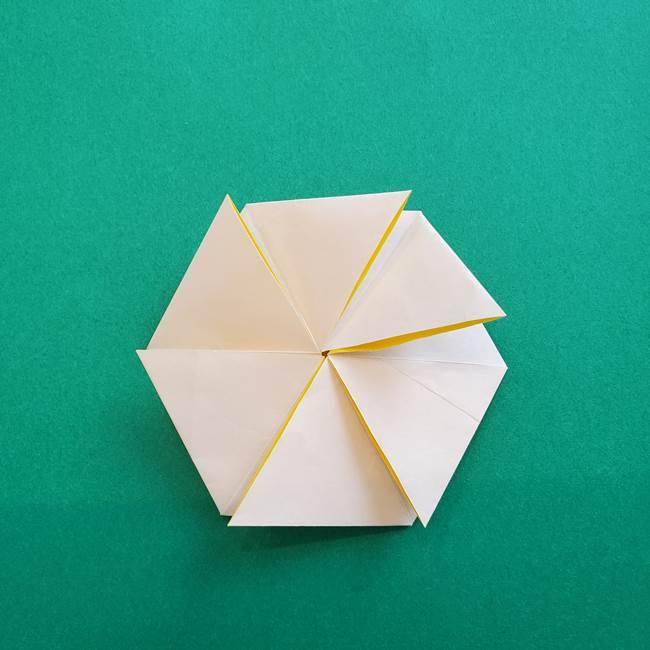 水仙の折り紙 平面の折り方作り方②花(34)