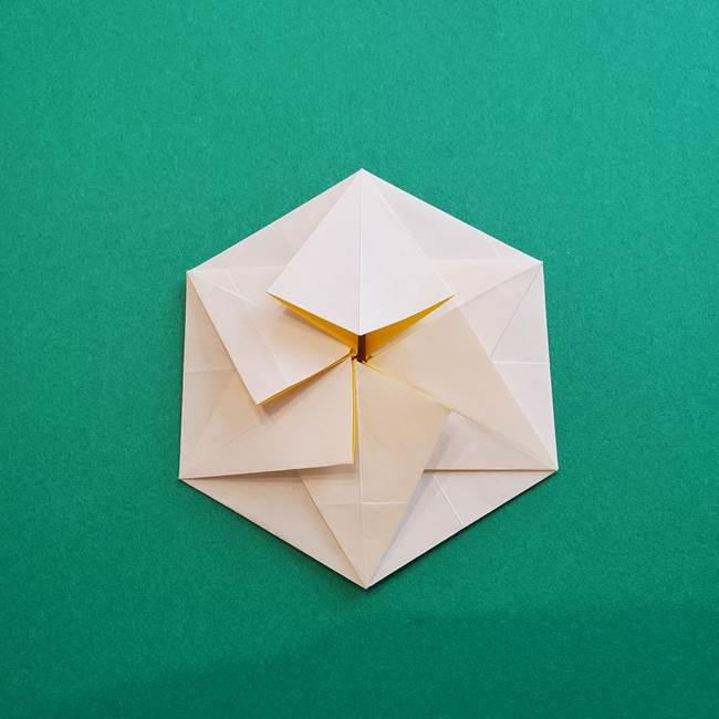 水仙の折り紙 平面の折り方作り方②花(40)