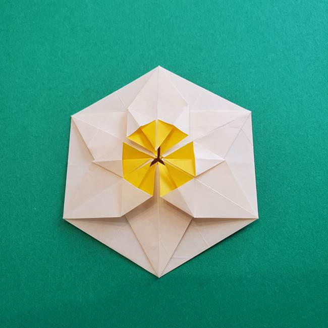 水仙の折り紙 平面の折り方作り方②花(48)