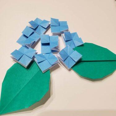 紫陽花(あじさい)の折り紙 子ども幼児でも簡単!一枚で平面の折り方作り方