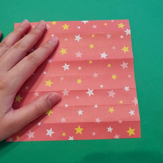 誕生日の飾り付け 折り紙の星を大量につなげて手作りガーランドの作り方①折る(12)