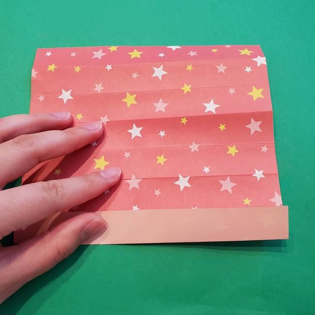 誕生日の飾り付け 折り紙の星を大量につなげて手作りガーランドの作り方①折る(13)