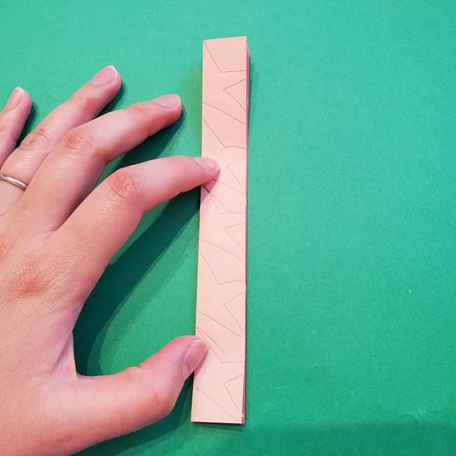 誕生日の飾り付け 折り紙の星を大量につなげて手作りガーランドの作り方②切る(3)