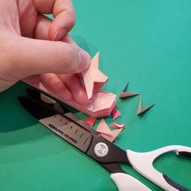 誕生日の飾り付け 折り紙の星を大量につなげて手作りガーランドの作り方②切る(4)