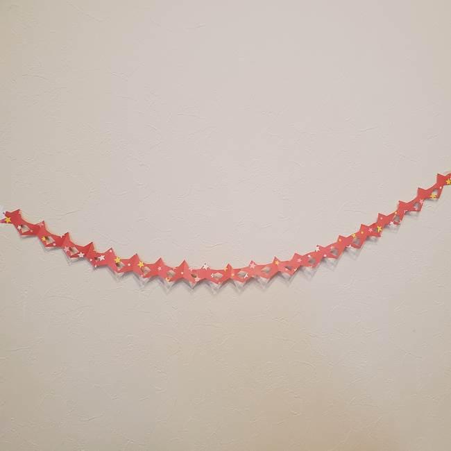 誕生日の飾り付け 折り紙の星を大量につなげて手作りガーランドの作り方