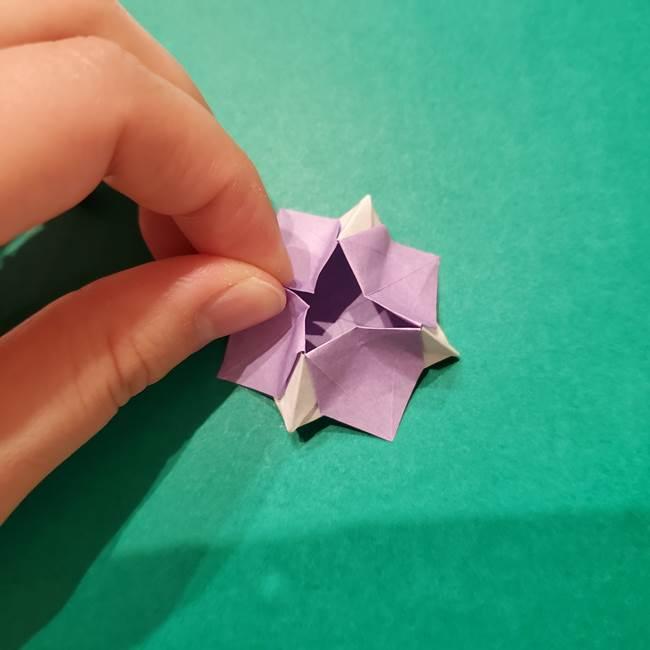 6 月の折り紙 あじさいを立体に折る折り方作り方(37)
