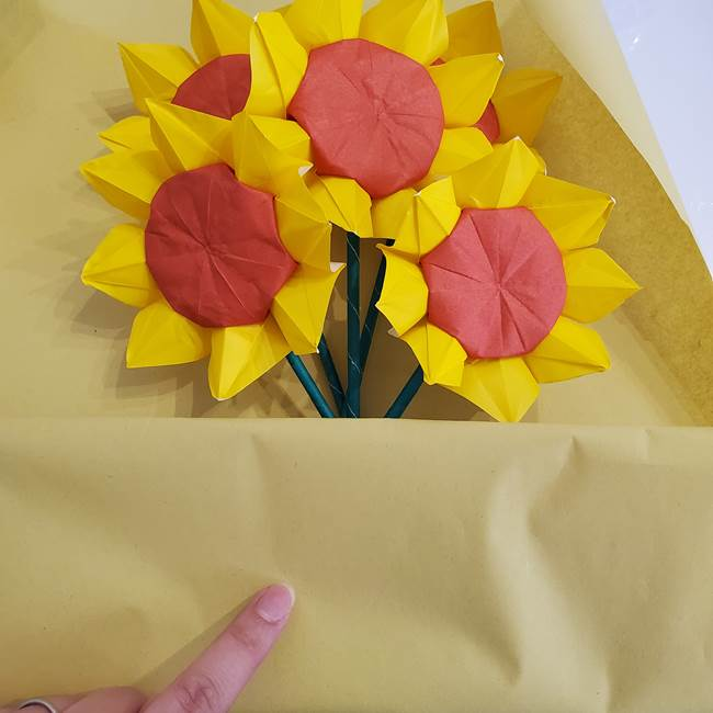 ひまわりの折り紙 立体的な花束とブーケの作り方②花束(3)