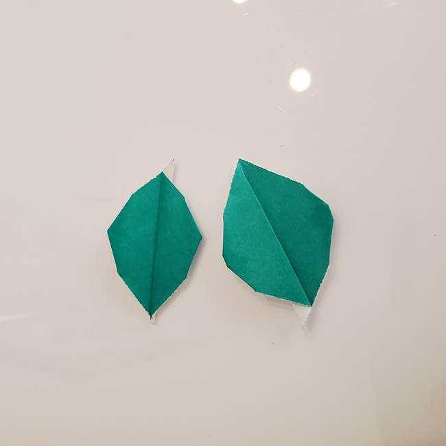 ひまわりの折り紙 立体的な葉っぱと茎の折り方作り方①葉(4)