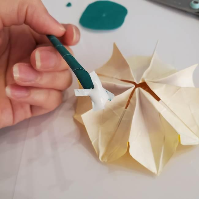 ひまわりの折り紙 立体的な葉っぱと茎の折り方作り方④上向き(10)
