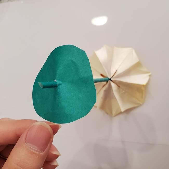 ひまわりの折り紙 立体的な葉っぱと茎の折り方作り方④上向き(14)