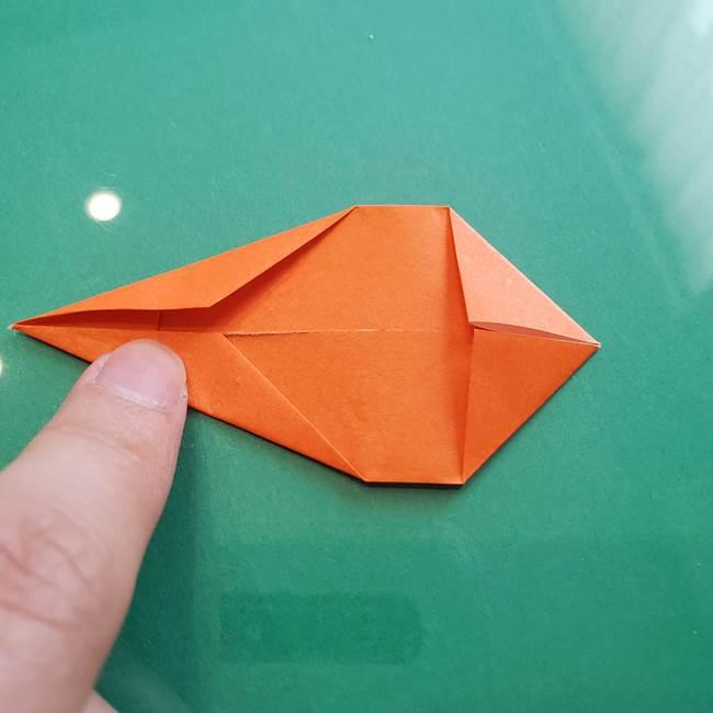 ヒトカゲの折り紙の簡単な折り方作り方③しっぽ(6)