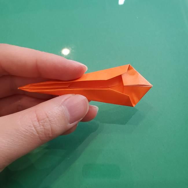 ヒトカゲの折り紙の簡単な折り方作り方③しっぽ(7)