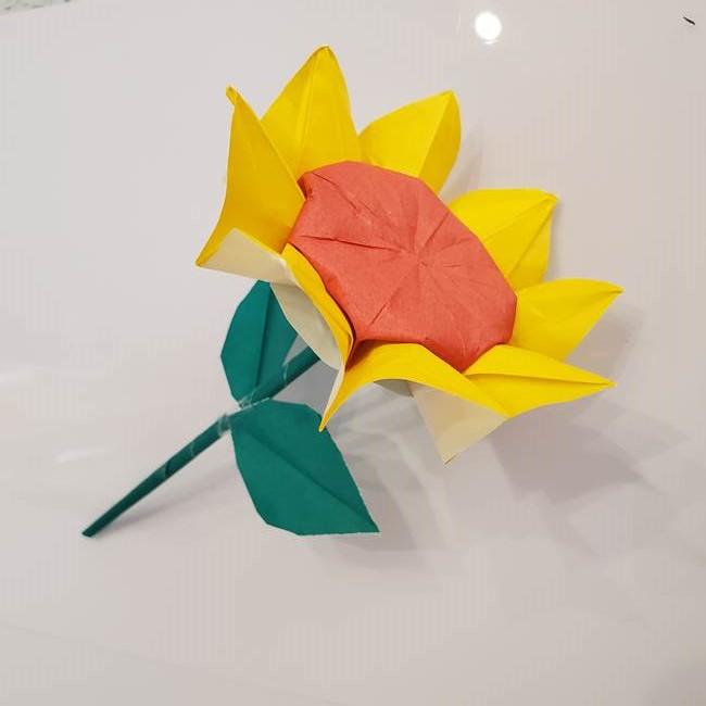 折り紙のひまわりの葉と茎の折り方は簡単♪子供にも作れる!2