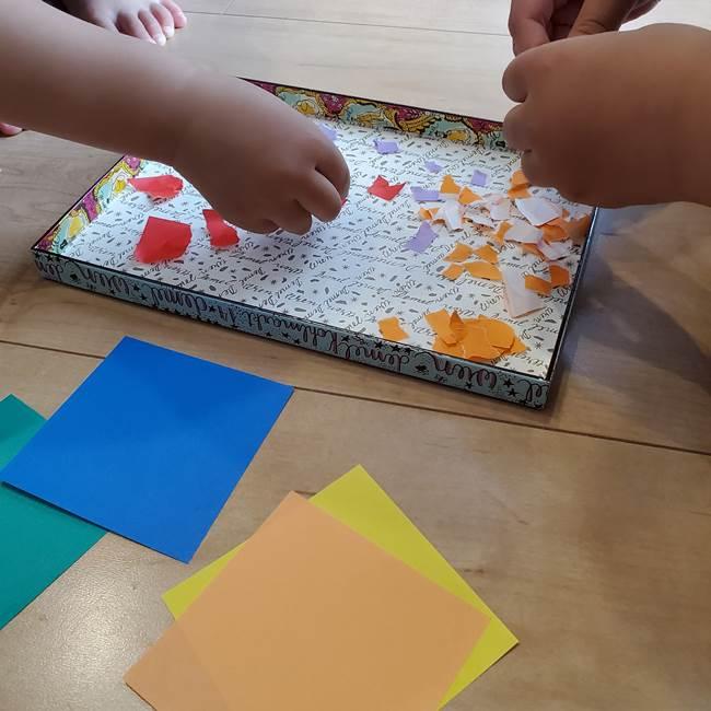 折り紙 花火の貼り絵ちぎり絵 の作り方貼り方①下準備(3)