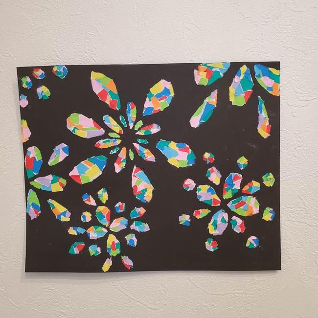 折り紙 花火の貼り絵ちぎり絵 の作り方貼り方②貼る(5)