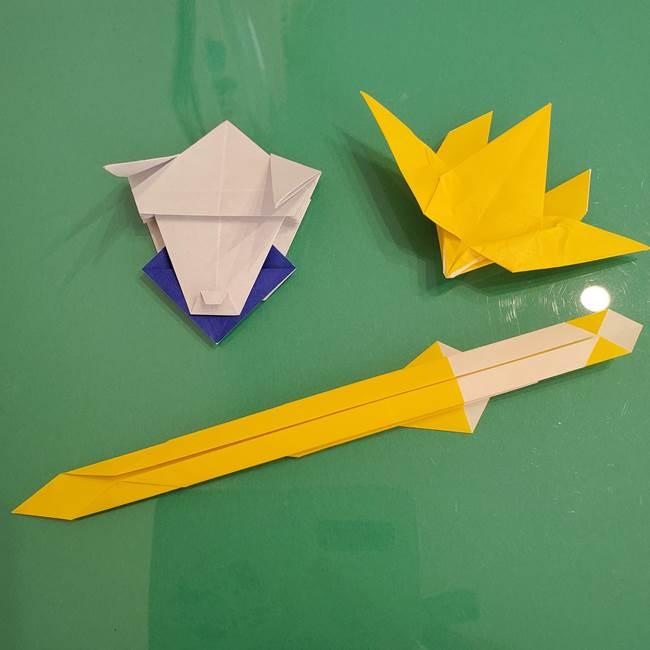 貼り合わせて折り紙のザシアンの完成(1)