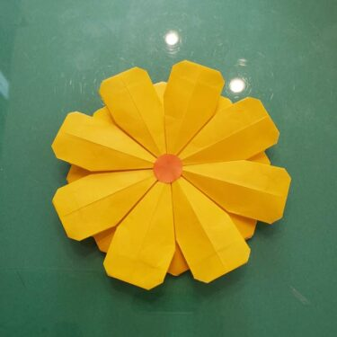 コスモスの折り方 折り紙8枚でつくれて簡単♪かわいい花の作り方