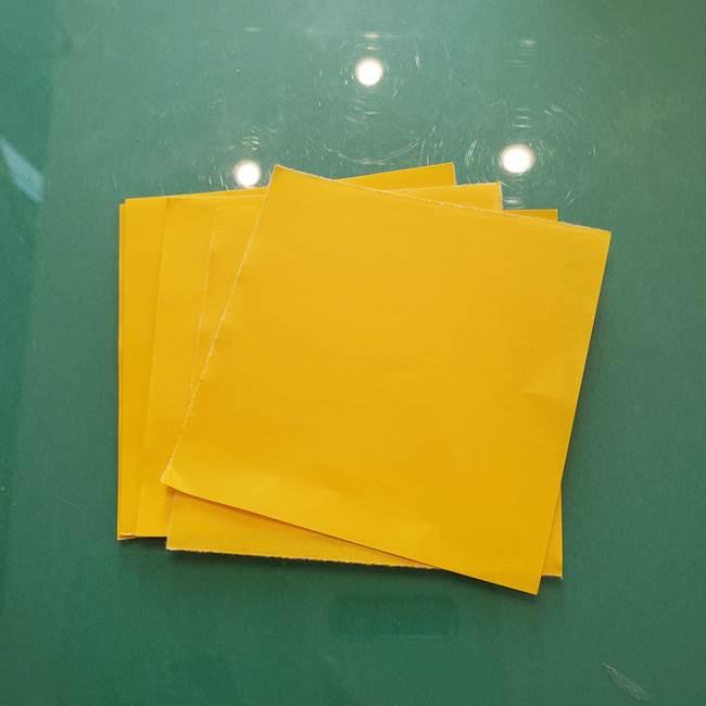 コスモスを折り紙8枚で☆用意するもの1