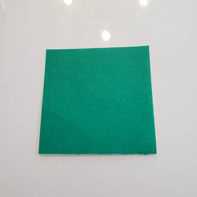 柿の葉っぱの折り紙*用意するもの