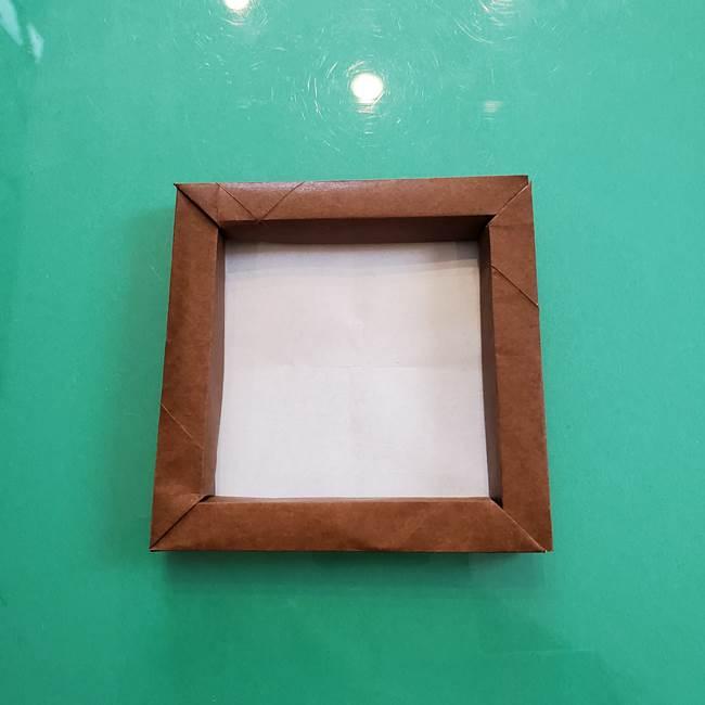 11月の折り紙 柿の壁面フレームの作り方③壁面フレームの折り紙(3)