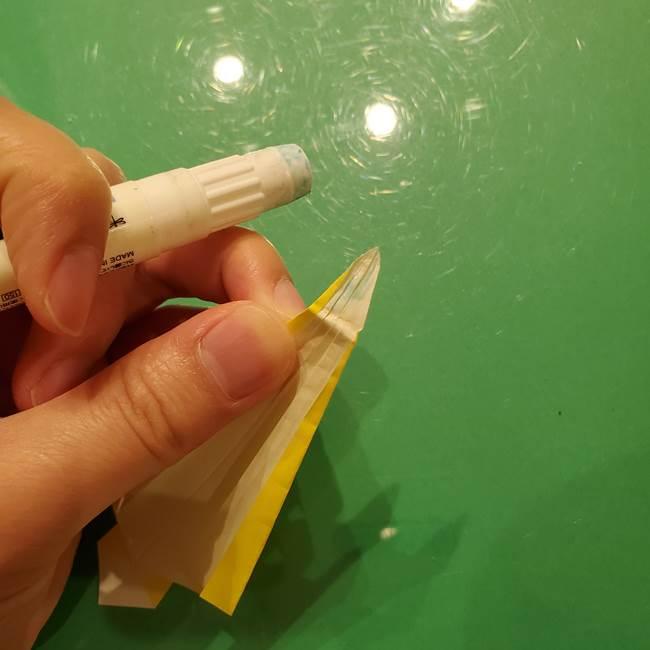 ③パーツを止めたら折り紙の流れ星の完成!(3)