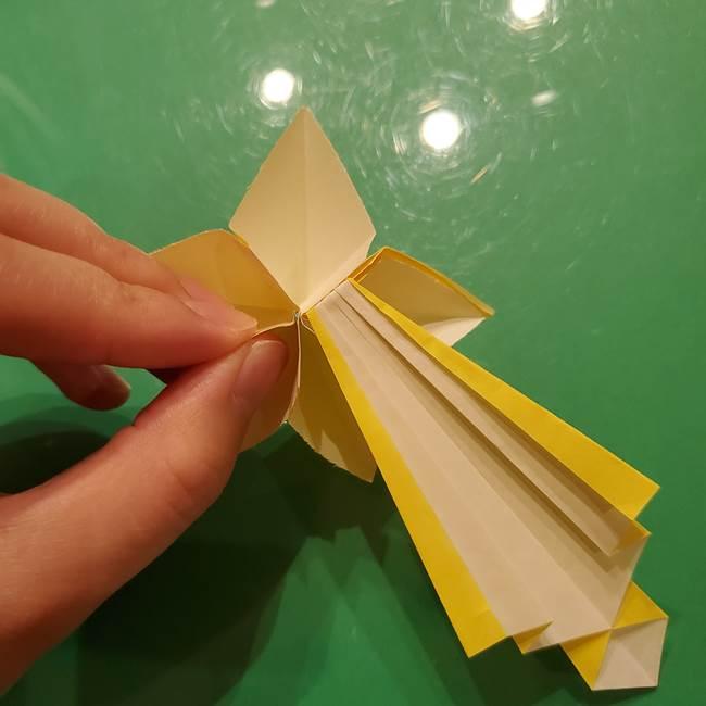 ③パーツを止めたら折り紙の流れ星の完成!(4)