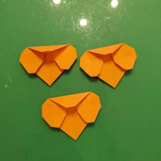 松ぼっくりの折り紙 平面で簡単な作り方折り方①-14
