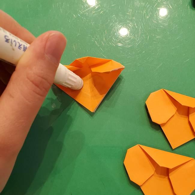 松ぼっくりの折り紙 平面で簡単な作り方折り方②-1