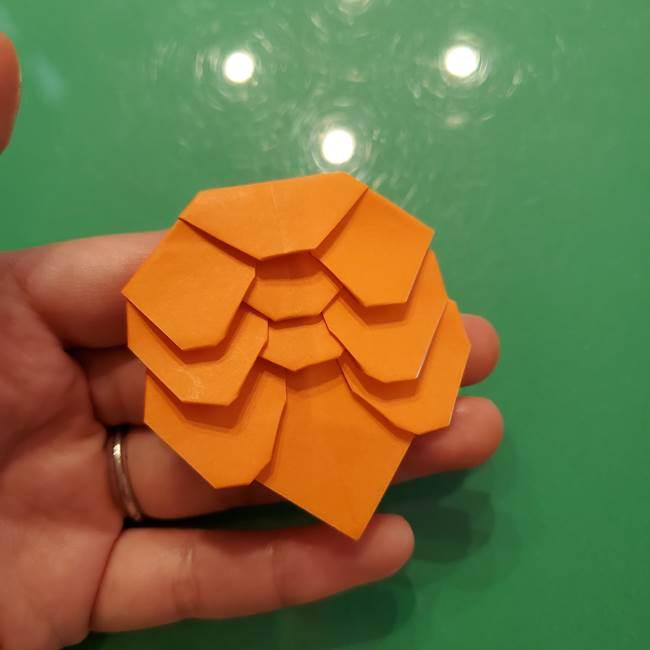 松ぼっくりの折り紙 平面で簡単な作り方折り方③-1