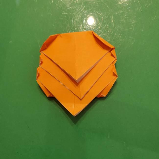 松ぼっくりの折り紙 平面で簡単な作り方折り方③-2