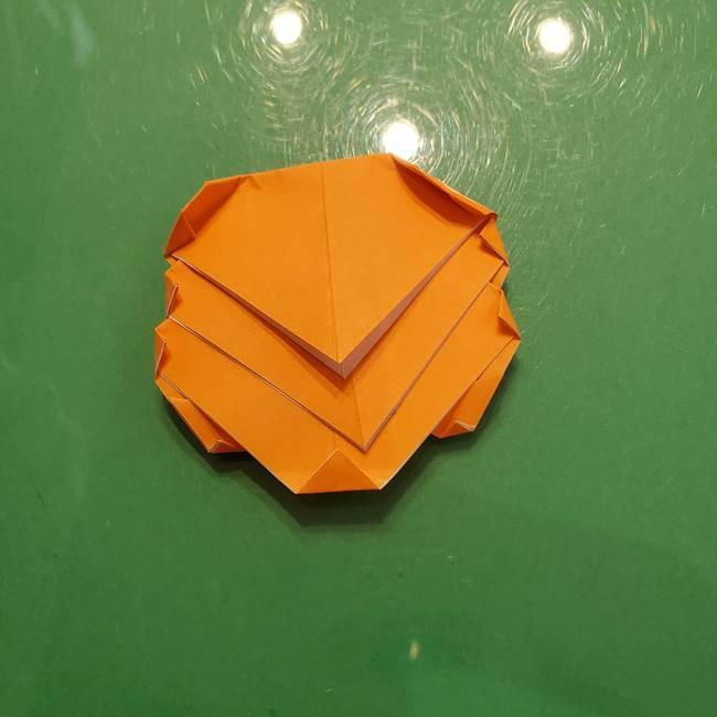 松ぼっくりの折り紙 平面で簡単な作り方折り方③-3