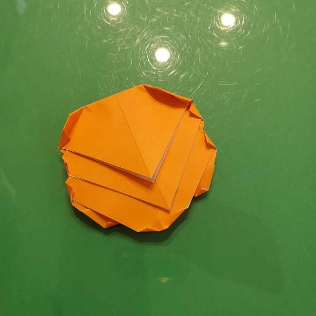 松ぼっくりの折り紙 平面で簡単な作り方折り方③-4