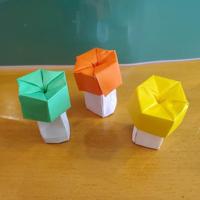 11月の折り紙きのこの折り方 立体的で自立する!秋のかわいい飾りつけにも