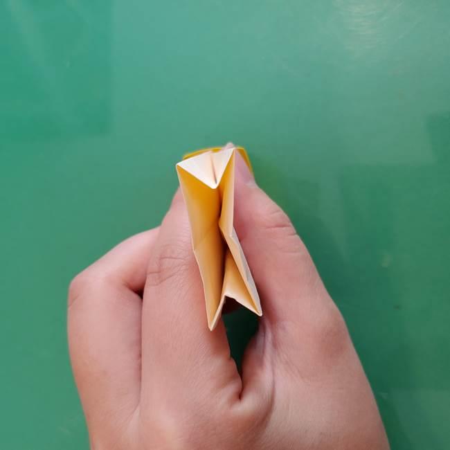 11月の折り紙 きのこの折り方 立体ver.②折る(13)
