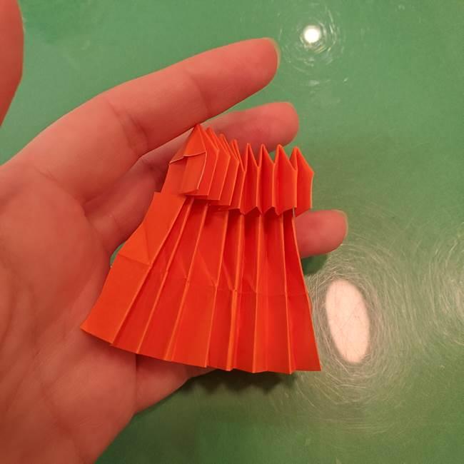 かぼちゃの折り紙 立体で難しいジャックオーランタンの折り方作り方②折る(10)