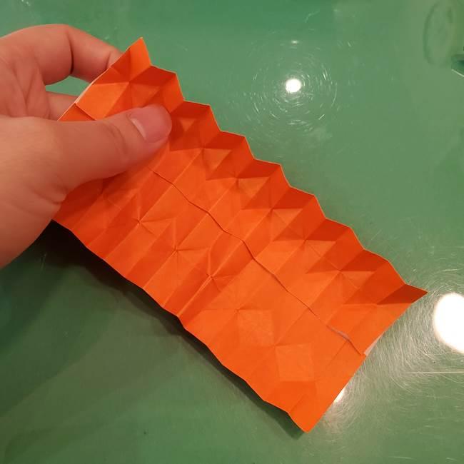 かぼちゃの折り紙 立体で難しいジャックオーランタンの折り方作り方②折る(11)