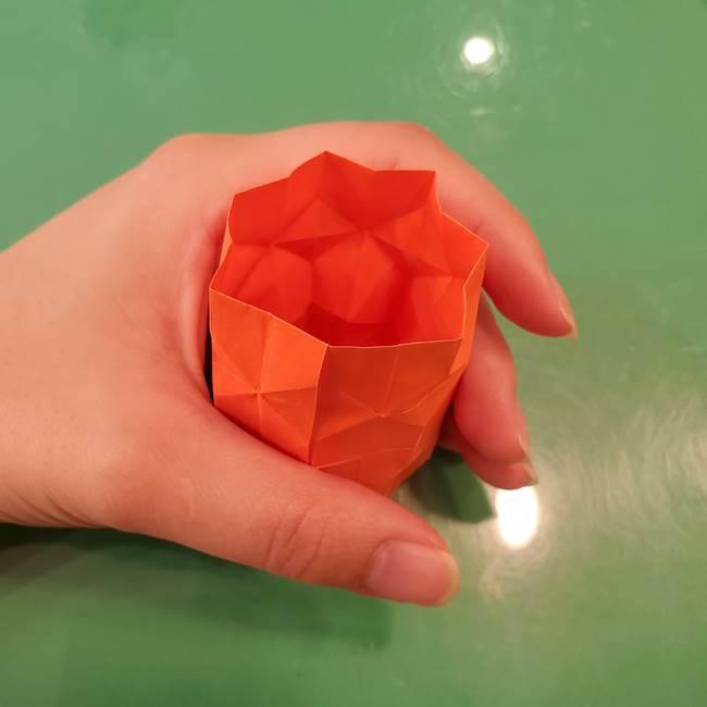 かぼちゃの折り紙 立体で難しいジャックオーランタンの折り方作り方②折る(14)