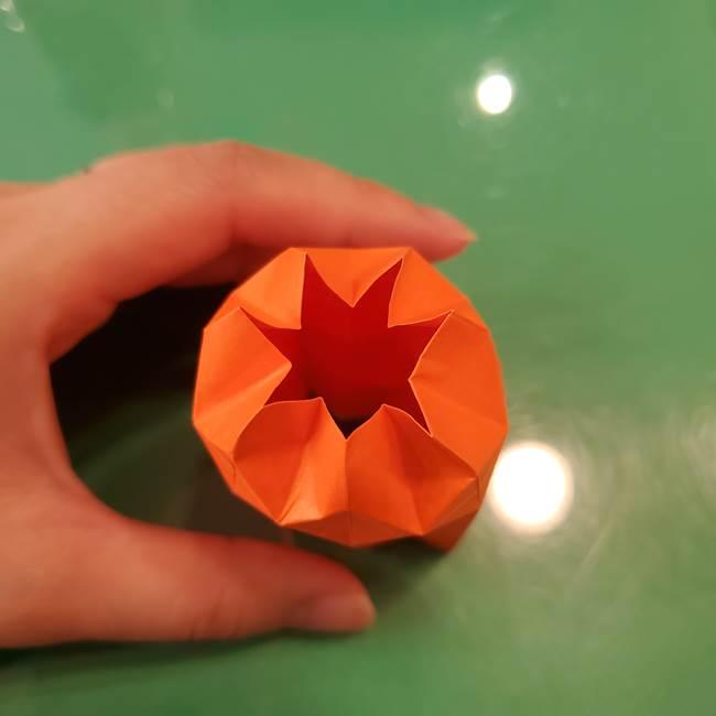 かぼちゃの折り紙 立体で難しいジャックオーランタンの折り方作り方②折る(15)