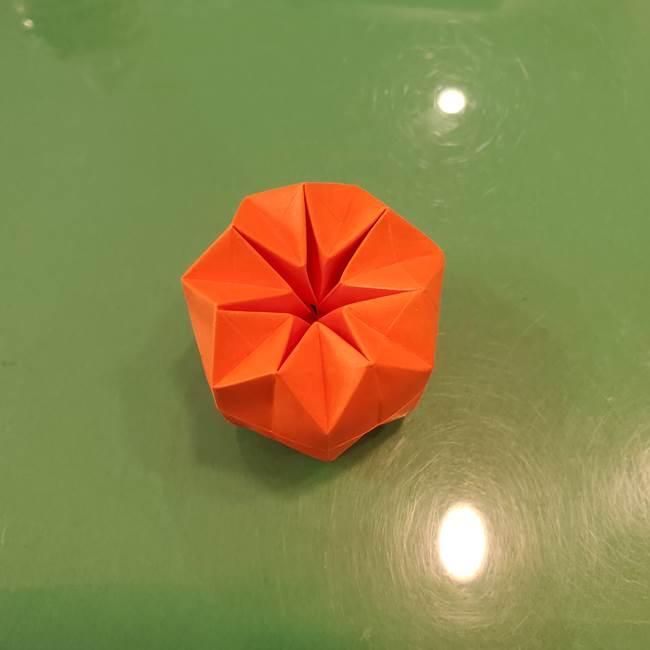 かぼちゃの折り紙 立体で難しいジャックオーランタンの折り方作り方②折る(19)