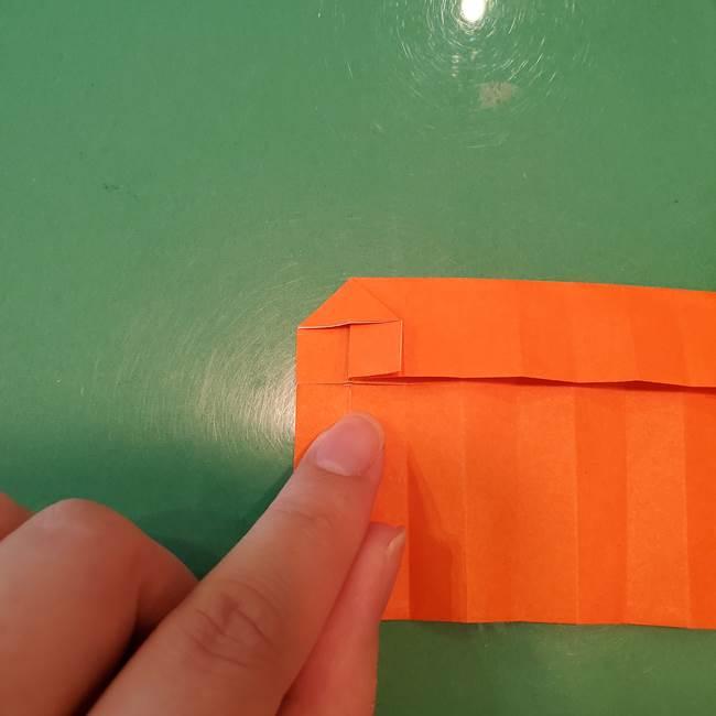 かぼちゃの折り紙 立体で難しいジャックオーランタンの折り方作り方②折る(4)